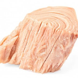 more-expensive-canned-tuna-doesnt-necessarily-mean-its-sustainably-caught-1598547473.jpg